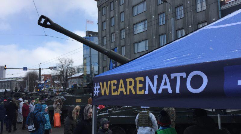 Eesti ostis 12 liikursuurtükki K9