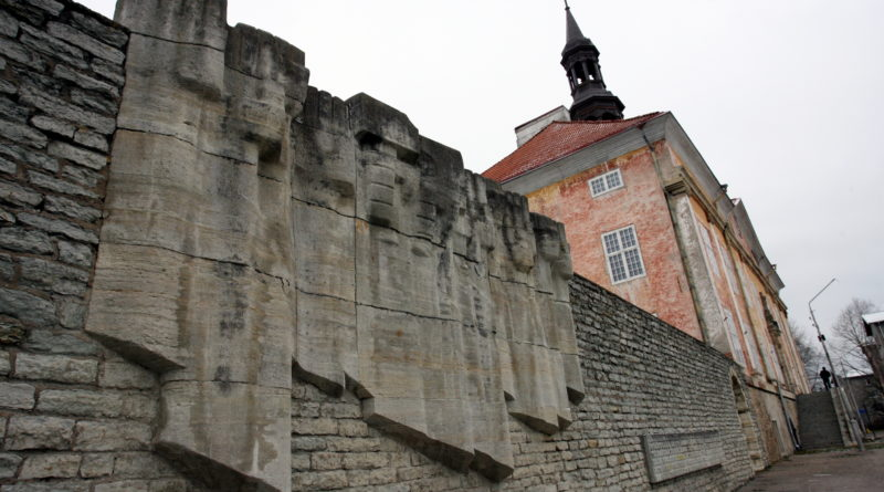 Kapo kuulas üle kaheksa Narva linnavolinikku