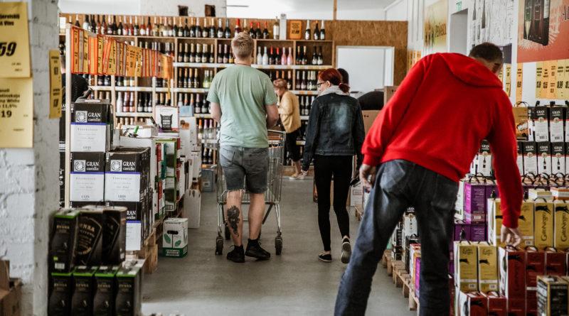 Riigikogu otsustas langetada alkoholi aktsiisi