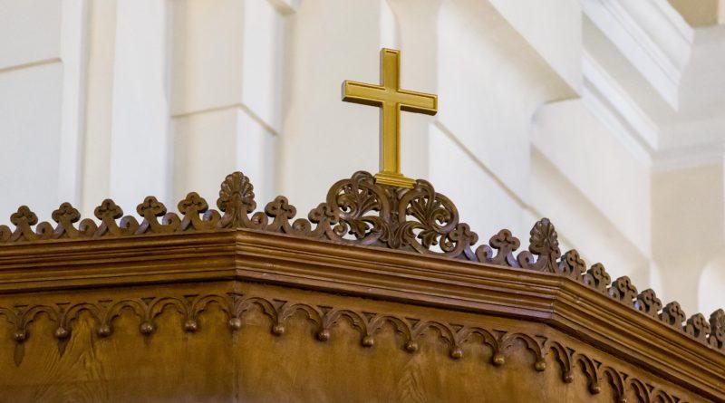 Paavsti juhitud missal Tallinnas teenib üle saja preestri