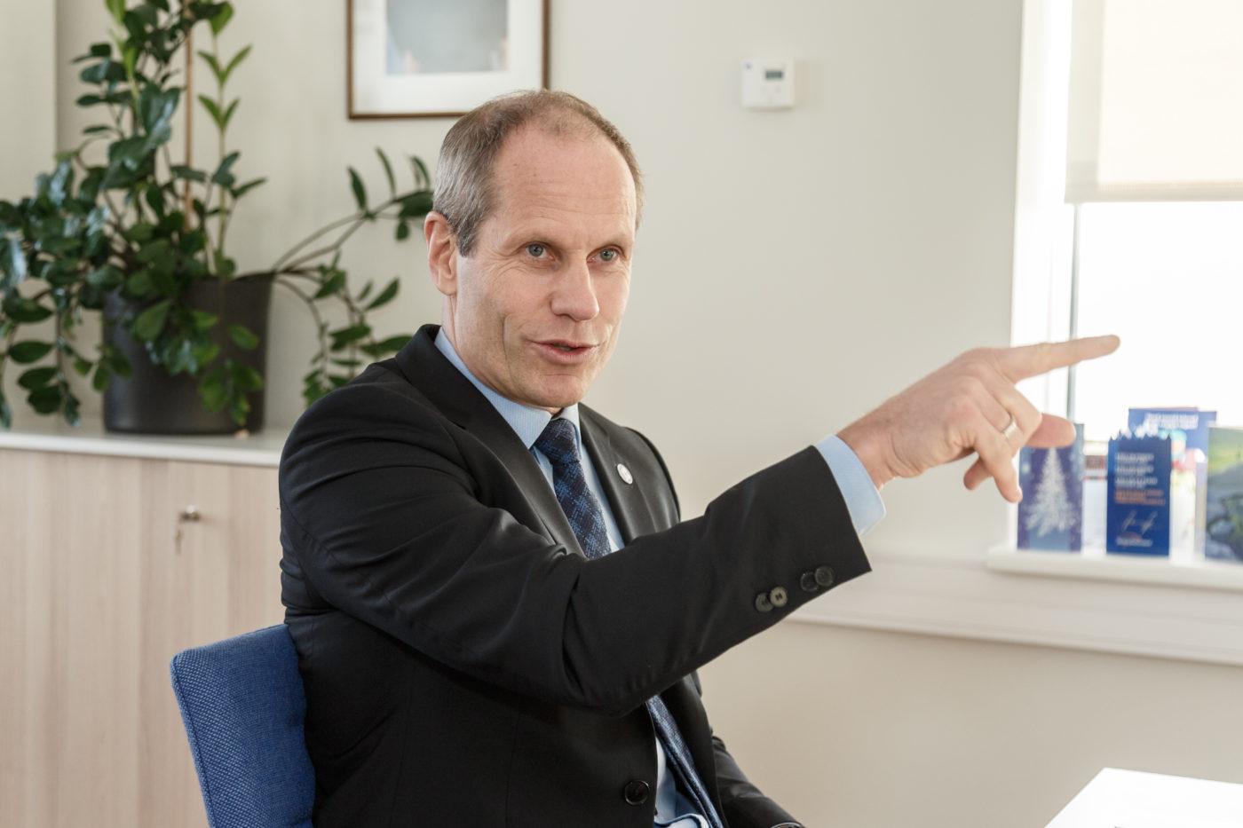 Euroopa Parlamendi erikomitee külastas Eestis rahapesu tõkestavaid asutusi