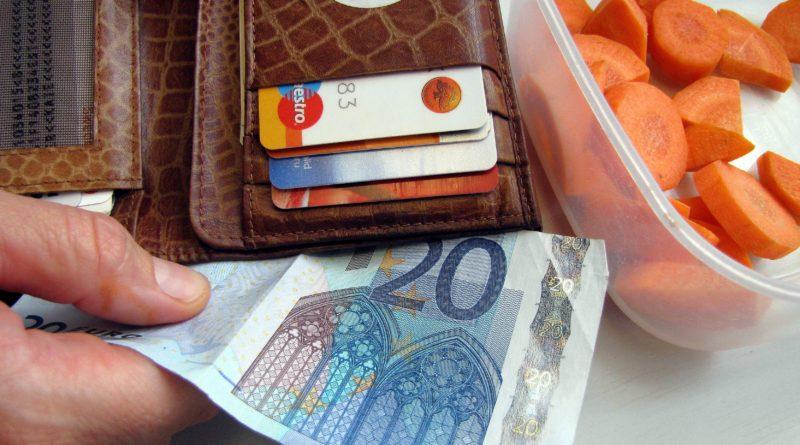 Keskmine palk kasvas mullu 7,3 protsenti 1310 euroni