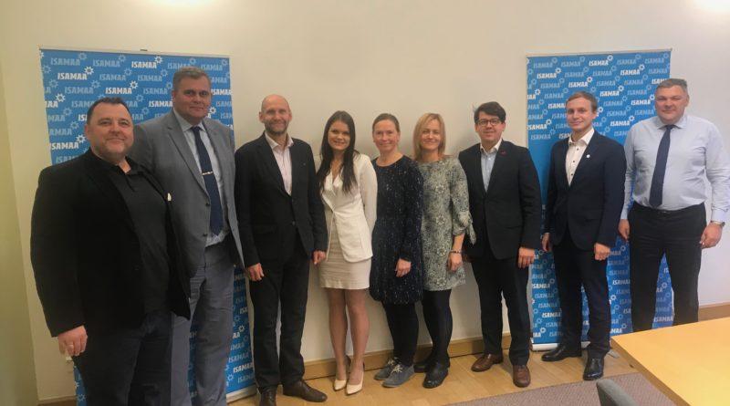 Eesti Lasterikaste Perede Liit kohtus Riigikogu Isamaa fraktsiooniga