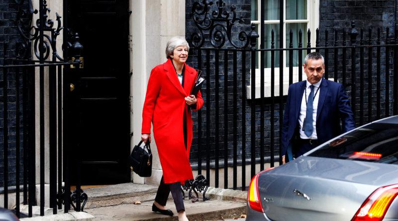 Theresa May sai Brexiti leppele valitsuse toetuse aga kabinett otsast laguneb