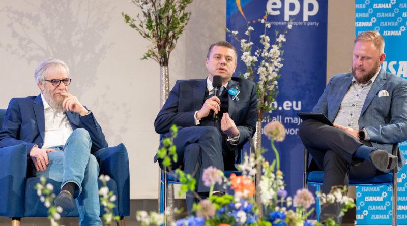 Urmas Reinsalu: vana kommunist Ansip istub siiani Brüsselis!