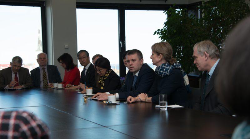 Välisminister Urmas Reinsalu tutvustas suursaadikutele uue valitsuse välispoliitikat
