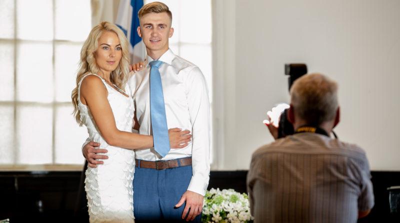 Seeder: esmakordselt abiellunud tuleb vabastada riigilõivust