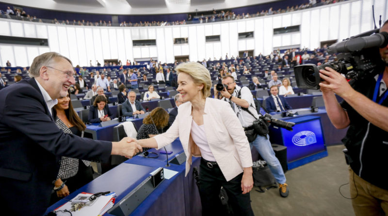 Euroopa Komisjoni presidendiks valiti sakslane Ursula von der Leyen