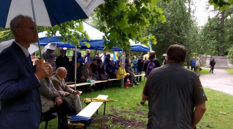 Galerii: Hirvepargis toimus traditsiooniline kõnekoosolek