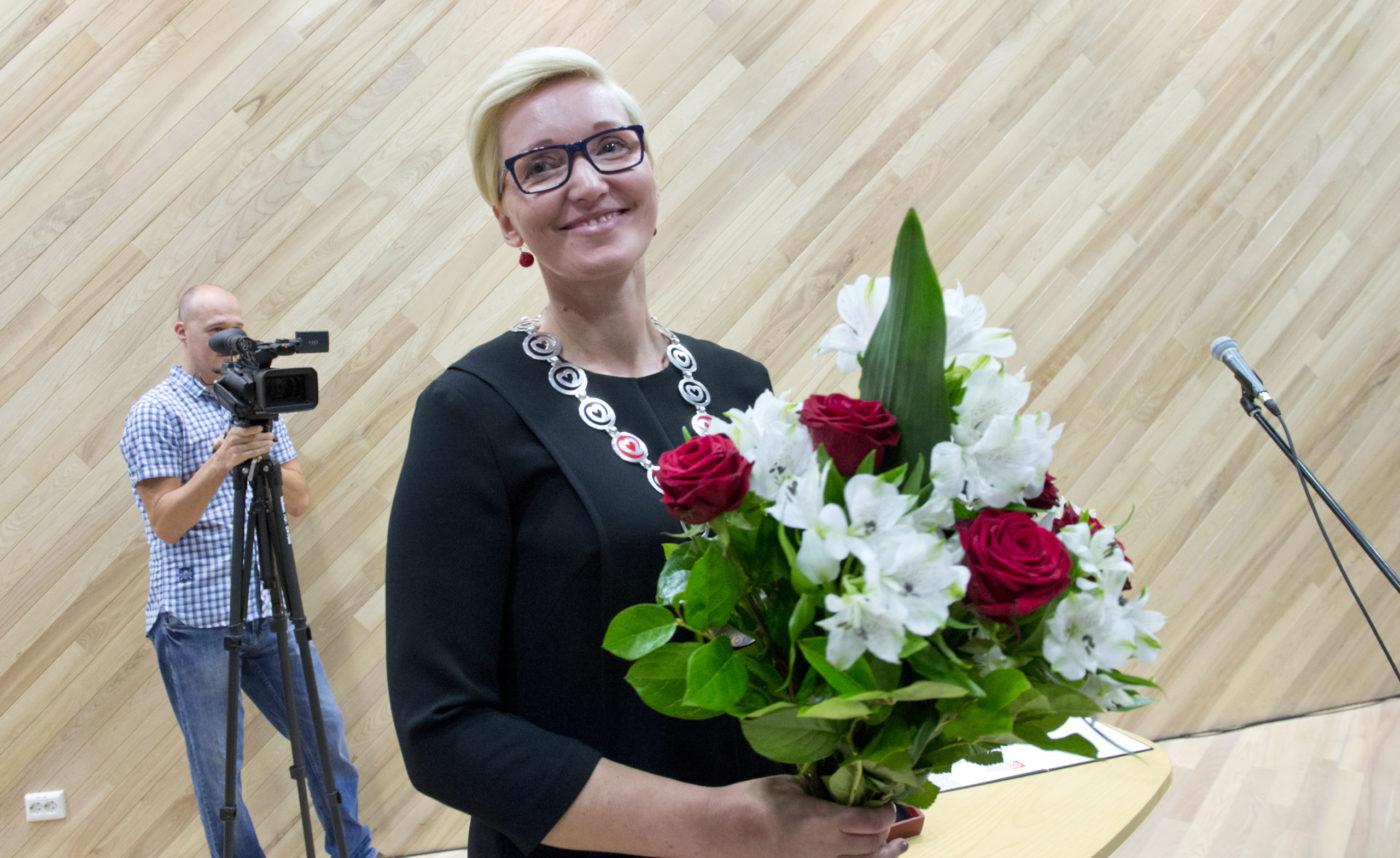 """Isamaa naiskogu andis """"Aasta Iren'i"""" aunimetuse Ulla Preedenile"""