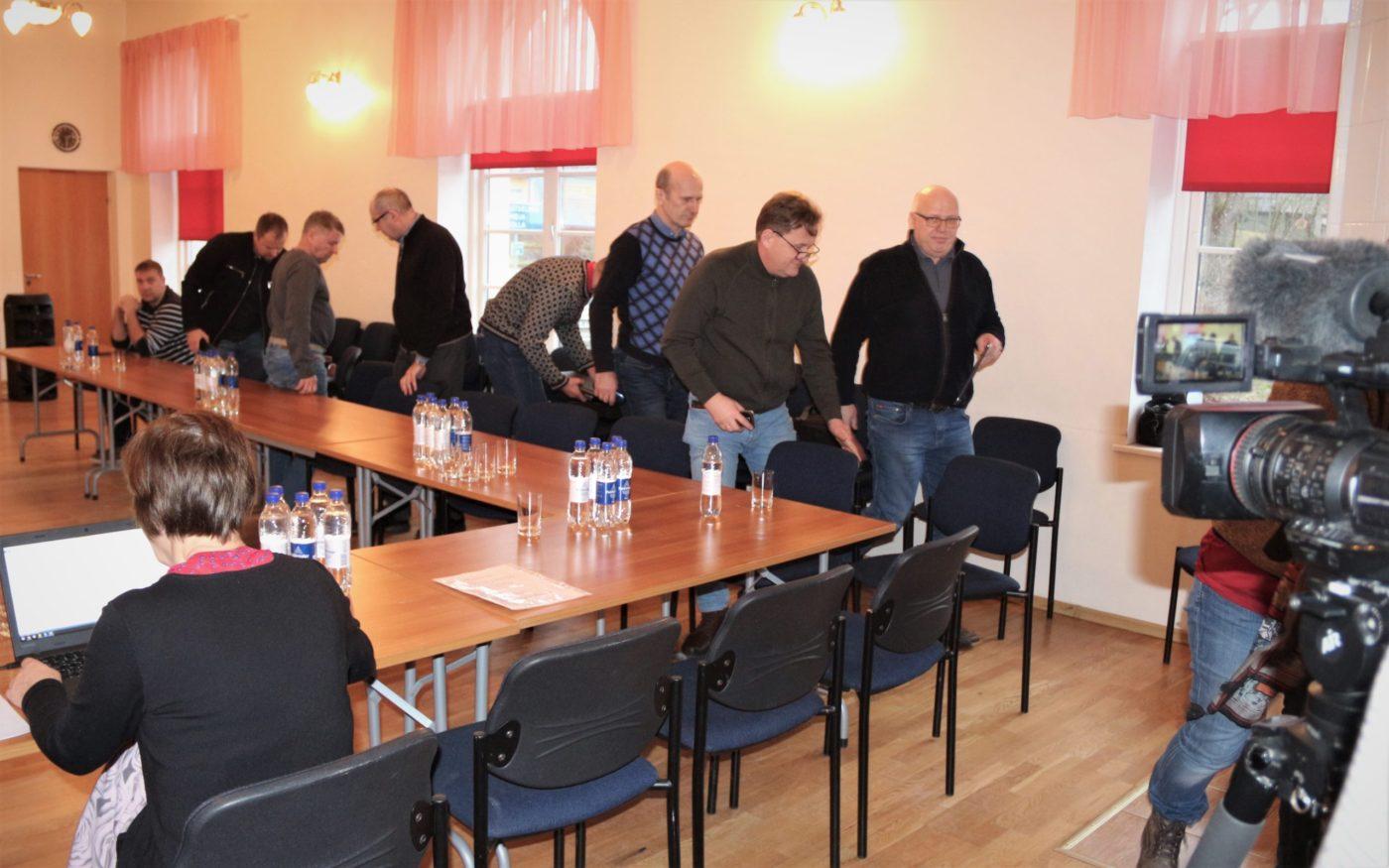 Isamaa näitas Rõuge vallavolikogu istungil koalitsioonile hambaid