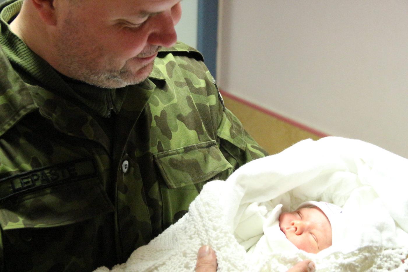 Aare Lepaste vanemahüvitisest: parem pool aastat varuks kui pool puudu