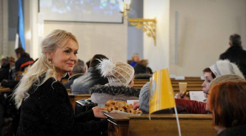 Riina Solman peapiiskop Viilma üleskutsest: vabaõhuteenistused peavad olema lubatud