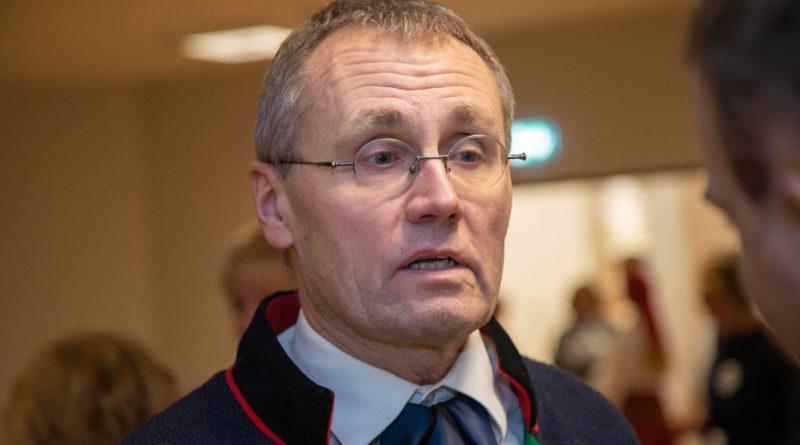 Kultuuriminister: seoses ahistamissüüdistustega tuleb kutsuda kokku Estonia nõukogu