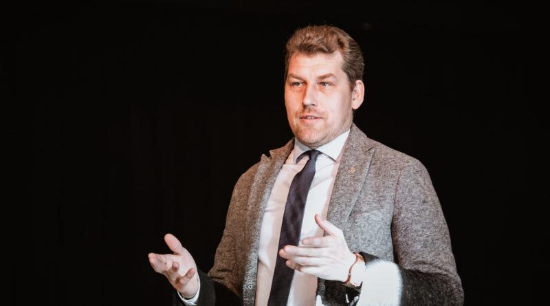 Andres Metsoja Martin Helmele: riigikaitsekulude kallale minek on lühinägelik