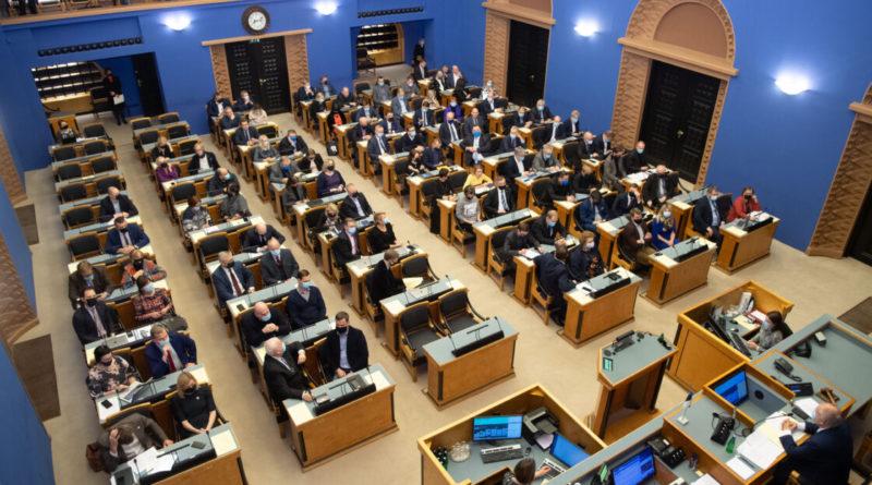 Abielureferendumi eelnõu jäi Riigikogu menetlusse