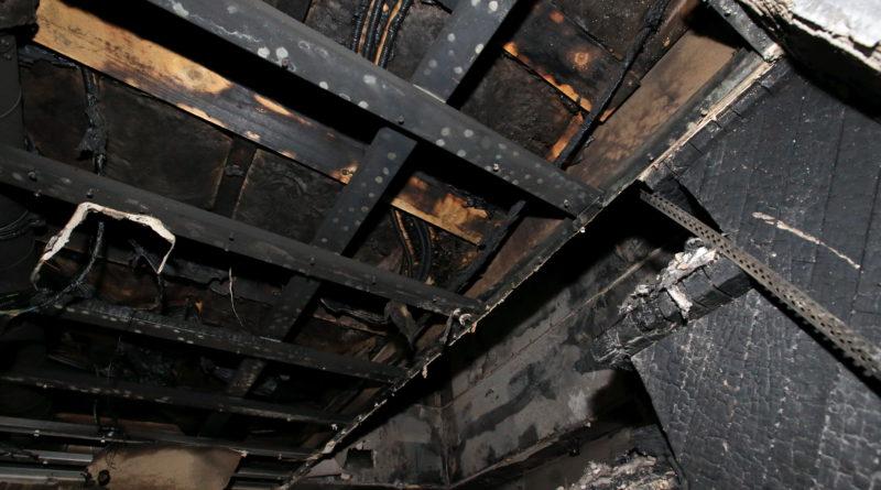 Isamaa Naiskogu toetab tules kodu kaotanud viielapselist peret 2000 euroga