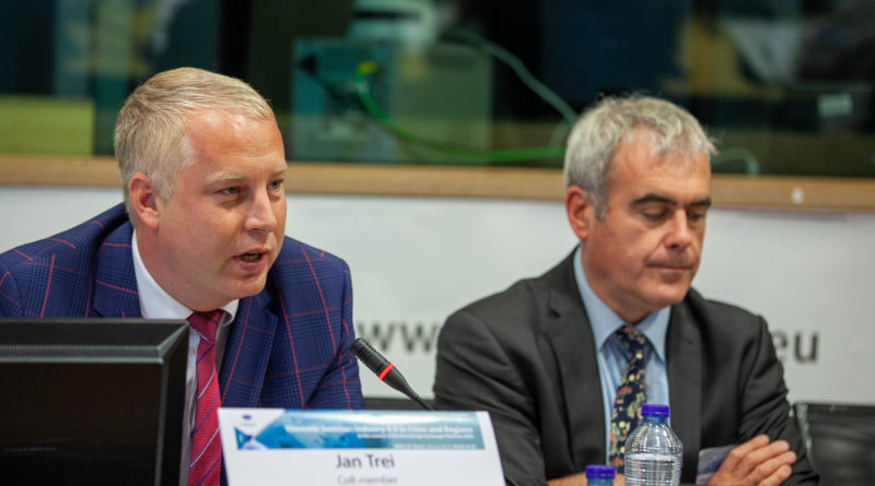 Jan Trei EL-i Regioonide Komitee täiskogul: kohalike meediaväljaannete püsimajäämine on ohus