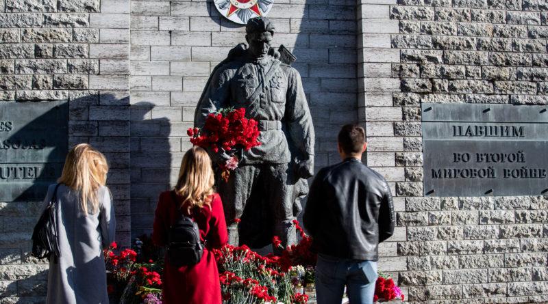 Reinsalu: soovitus 9. mail kaitseväe vormi mitte kanda kujutab Eesti Vabariigi taandumist