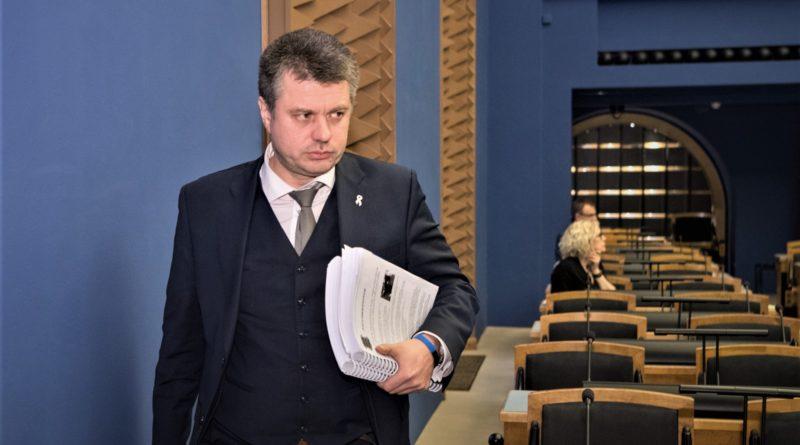 Urmas Reinsalu: Riigikogu peab vaktsineerimiskaosega seoses viivitamatult kogunema